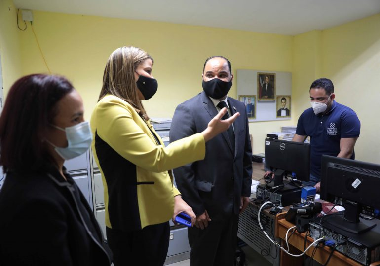 Pablo Ulloa realiza visita de inspección al recinto en la cárcel preventiva de Ciudad Nueva