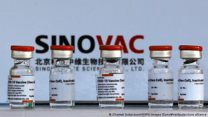 Principal científica de vacuna de Sinovac en Indonesia muere, se sospecha de COVID-19