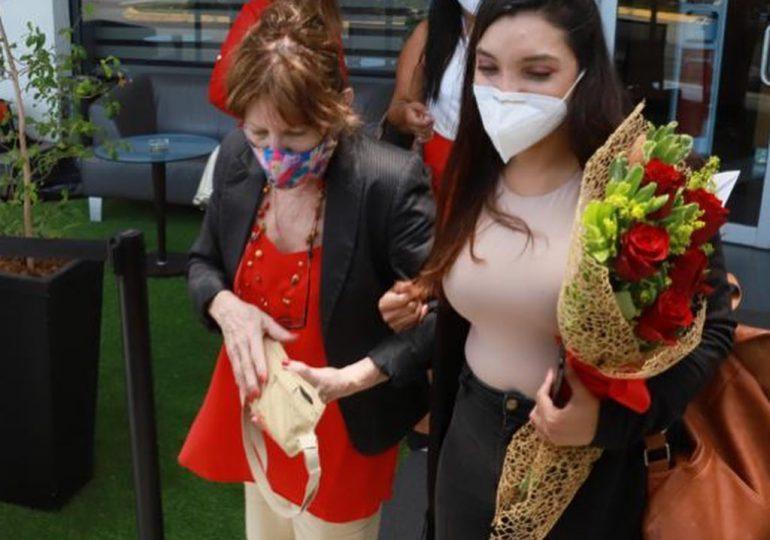 Venezolano Armando Medina se reencuentra con su madre