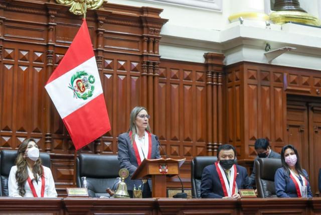 Pedro Castillo tendrá como jefa del Congreso peruano a opositora moderada