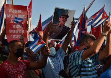 Seis días después de las protestas, el gobierno de Cuba moviliza partidarios