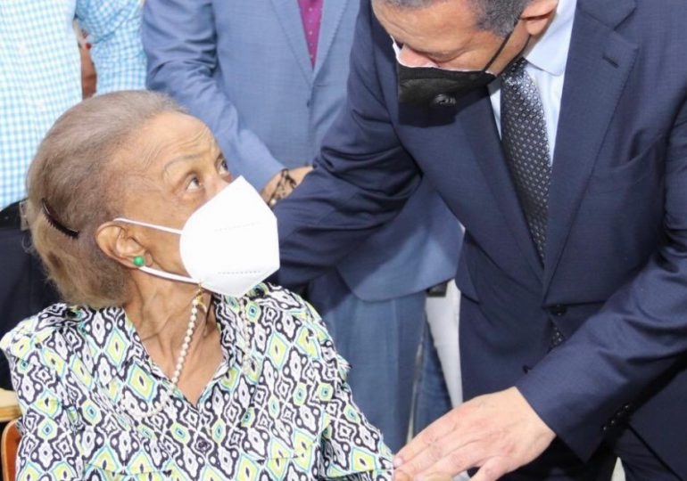 Fallece Yolanda Reyna, madre de Leonel Fernández