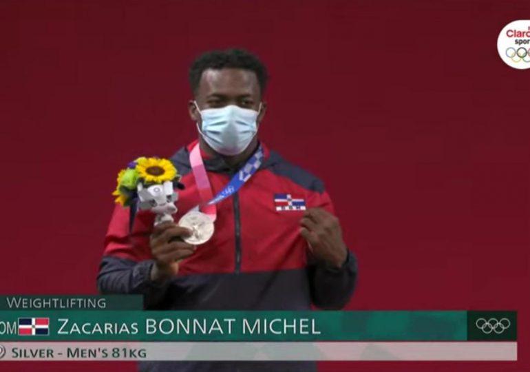 VIDEO | Zacarías Bonnat obtiene primera medalla de plata en pesas para el país