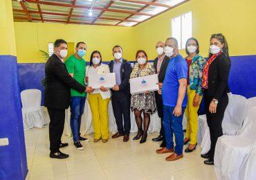 Minerd dona equipos tecnológicos a internos del Centro de Corrección y Rehabilitación Mao Hombres y en San Juan de la Maguana