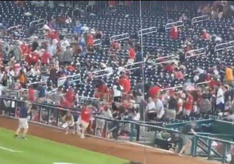 VIDEO | Dos víctimas de disparos afuera de estadio de béisbol de Washington