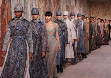 Dior, un verdadero estímulo para los sentidos en su desfile de alta costura