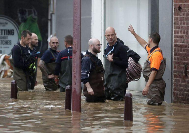 Belgas inician proceso de remoción de destrozos tras devastadoras inundaciones
