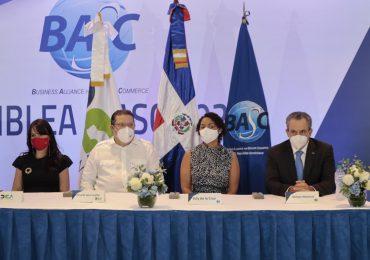 BASC Dominicana, firma acuerdo con DGA y entregan certificaciones a representantes de empresas nacionales