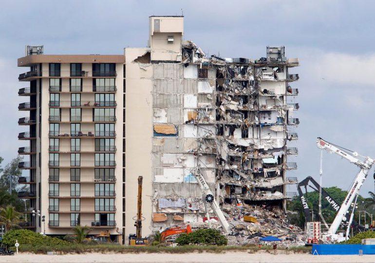 """Cómo funciona el """"derribo energético"""", la técnica que se usará para demoler restos del complejo colapsado en Miami"""
