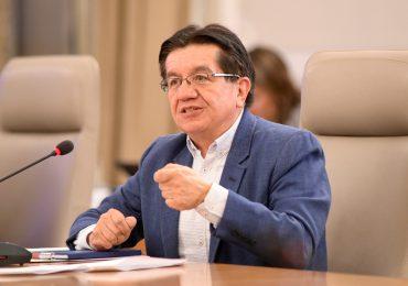 Colombia puede imponer restricciones a quienes no se vacunen, advierte ministro