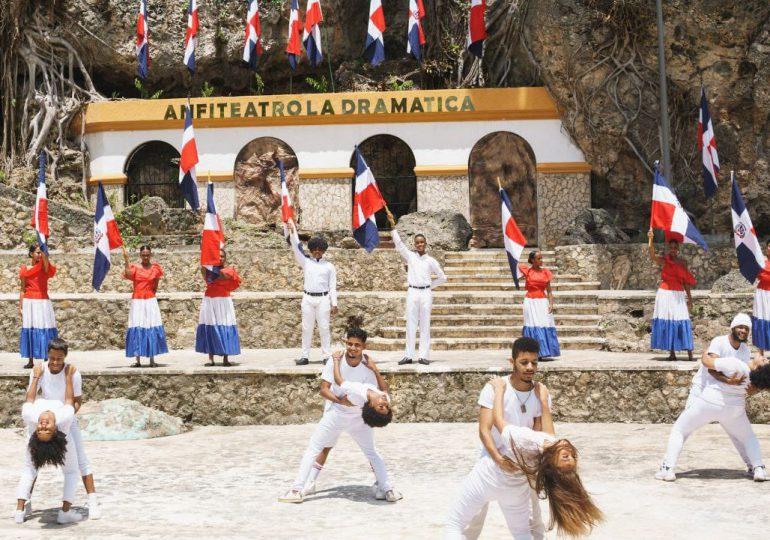 Ayuntamiento SDE reinaugura anfiteatro plaza Juan Pablo Duarte