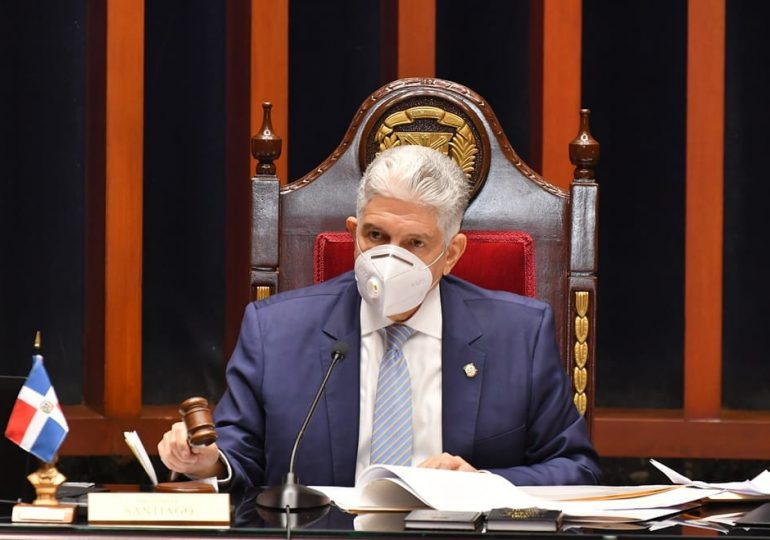 Eduardo Estrella apodera  comisión especial para estudio de proyecto de reforma al Código Penal