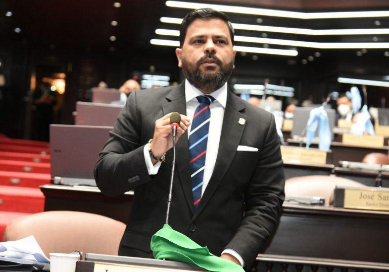 Diputado Leonardo Aguilera favorece aprobación del proyecto de ley que crea el Ministerio de la Vivienda