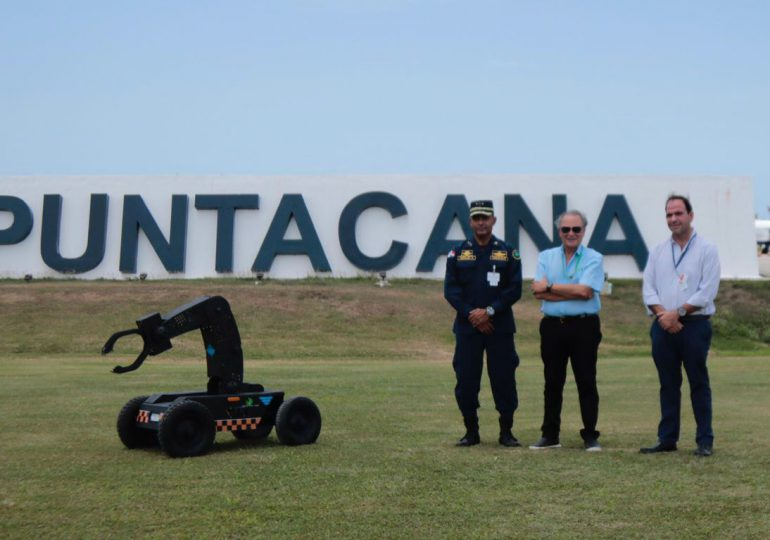 CESAC y Aeropuerto Internacional de Punta Cana realizan simulacro de detección de explosivos con un robot