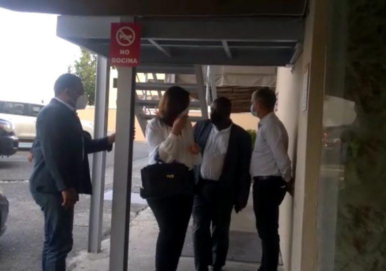 Madre de Leonel Fernández está en cuidados intensivos; Margarita Cedeño y otras figuras han ido a visitarla
