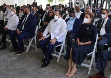 Senadores hacen guardia de honor al féretro de Tirso Mejía Ricart