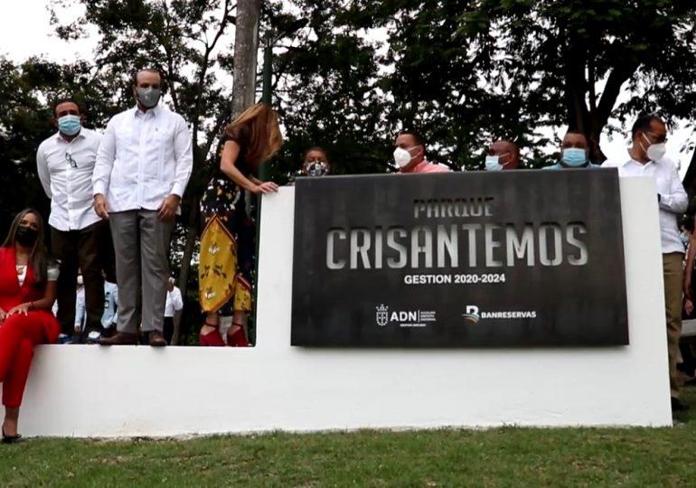 Alcaldía del Distrito y Banreservas remodelan Parque Crisantemos en Los Jardines