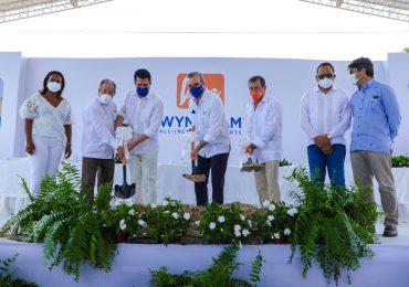 VIDEO   Abinader encabeza primer picazo proyecto turístico con inversión privada de RD$3,500 millones