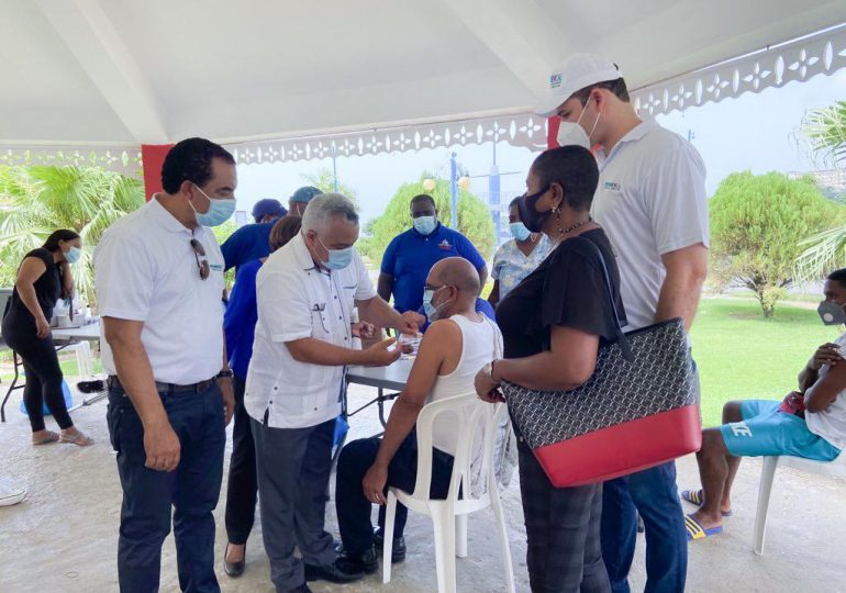 Promese/Cal promueve jornada de vacunación permanente en Samaná
