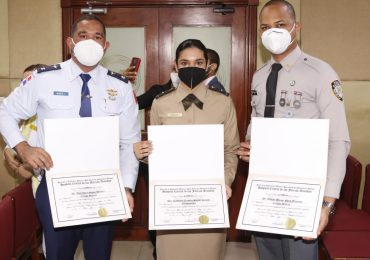 Hospital Central de las Fuerzas Armadas gradúa a 91 médicos residentes