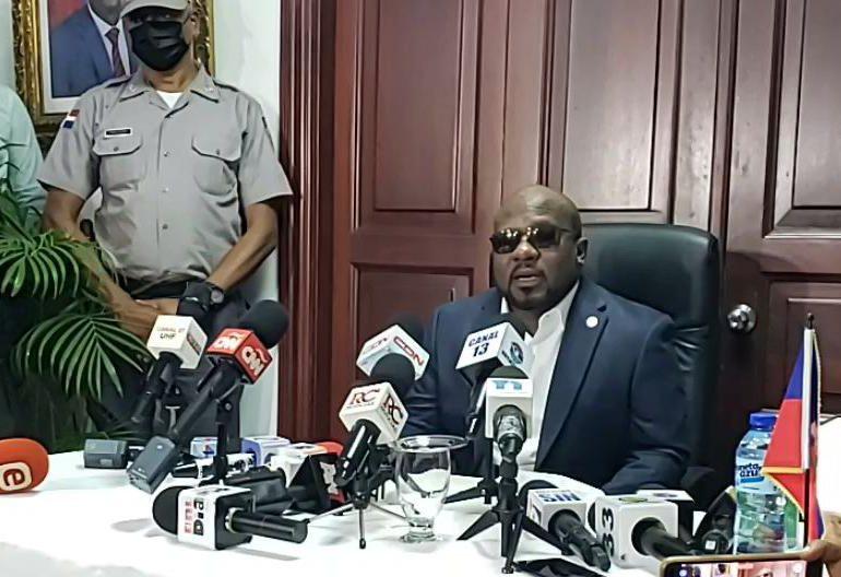 VIDEO | Primera dama de Haití no ha fallecido, informa el embajador Smith Augustin
