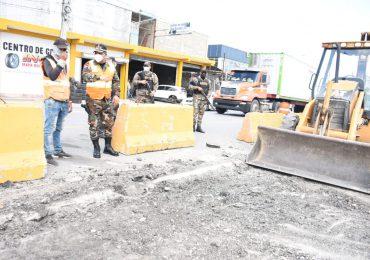 Comisión militar de MOPC cierra 53 pasos ilegales en la autopista Duarte