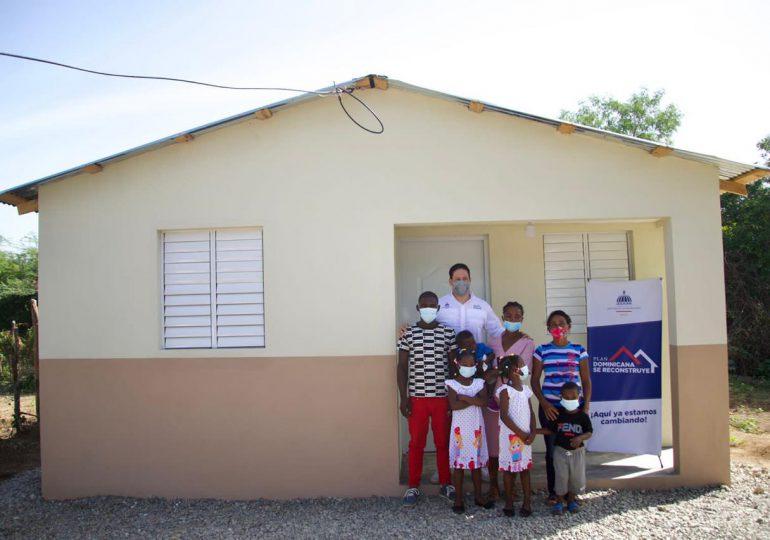 INVI entrega casa a familia que vivía en precarias condiciones en San Juan