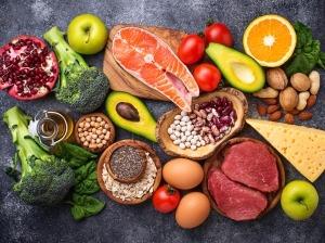 Las claves de una dieta saludable para evitar un cuadro grave de COVID-19