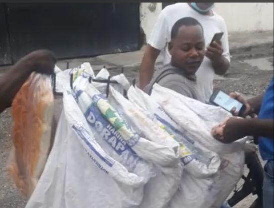 Choque entre panaderos, prohíben vender pan de $5 en Pantoja