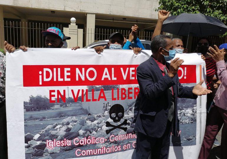 VIDEO | Comunitarios en Villa Liberación rechazan la construcción de un vertedero en la zona