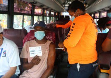 Defensa Civil pone en funcionamiento unidad móvil de vacunación