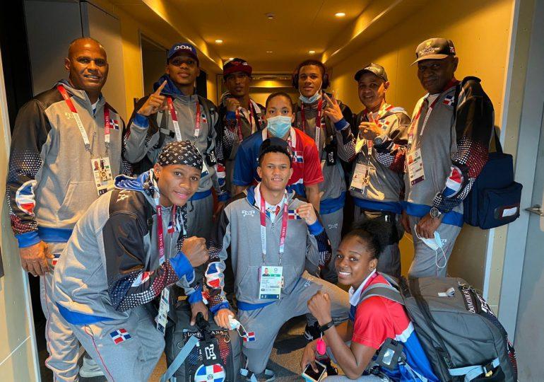 Delegaciones de boxeo, remo, levantamiento de pesas y ecuestre arriban a Tokio