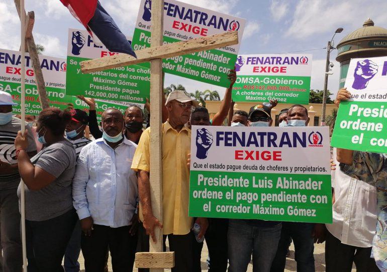 VIDEO | Transportistas afiliados a Fenatrano exigen pago de deuda millonaria