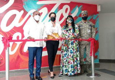 AERODOM y Transitando inauguran exposición de murales de artistas dominicanos en AILA-JFPG