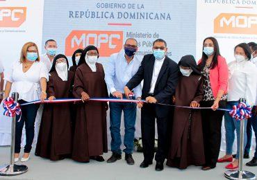 Obras Públicas reconstruye y  entrega monasterio a la Hermanas Carmelitas en Azua