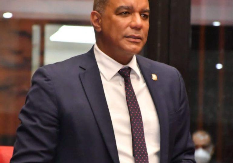 Senador Carlos Gómez asegura consumo de carne de cerdo no representa riesgo para la salud