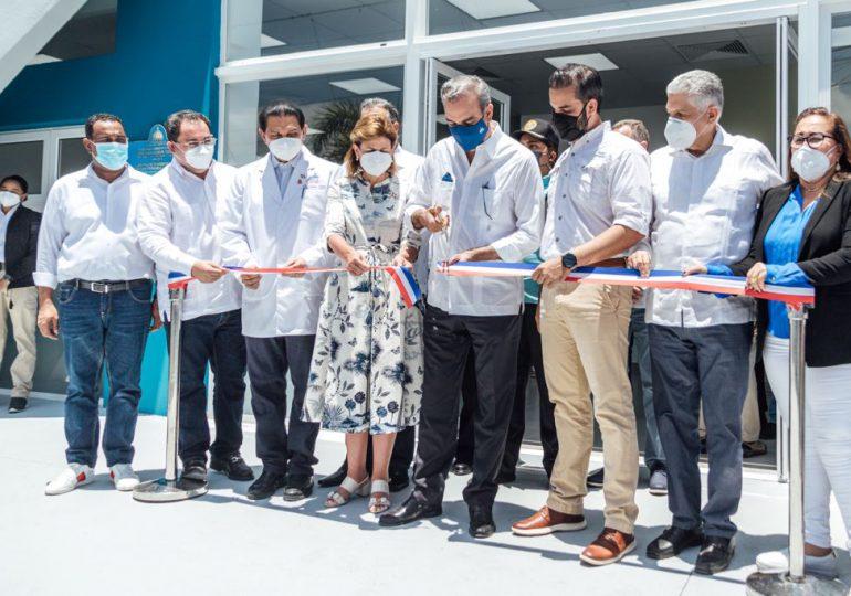 Presidente Abinader participa en inauguración de Centro de Diagnóstico en Santiago
