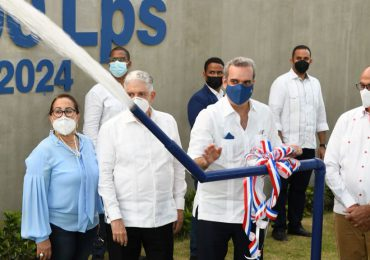 Presidente Abinader encabeza acto iluminación La Canela y nuevo acueducto en Santiago