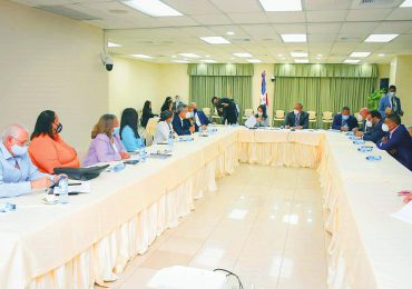 Ministerio de la Mujer presenta propuestas ante Senado sobre proyecto de reforma al Código Penal