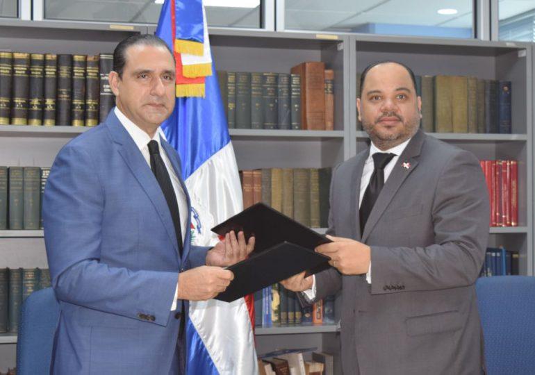 Defensor del Pueblo firma acuerdo de cooperación con FINJUS