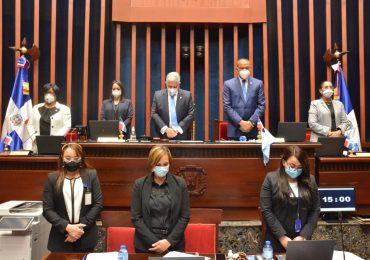 El Senado de la República rinde un minuto de silencio en honor a Jhonny Ventura