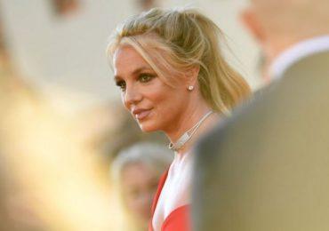Britney Spears anuncia no actuará en ningún escenario mientras su padre controle su carrera