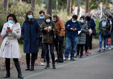 Sídney extiende dos semanas más confinamiento por virus