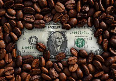 Precios del café alcanzan nuevas alturas en medio de fuerte helada en Brasil