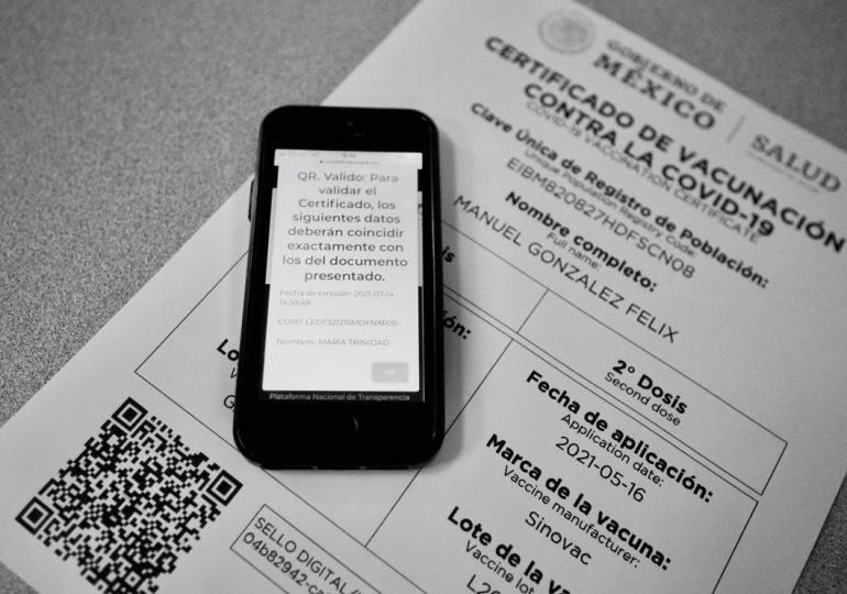 Ofrecen certificados falsos de vacunación anticovid en pleno centro de Ciudad de México