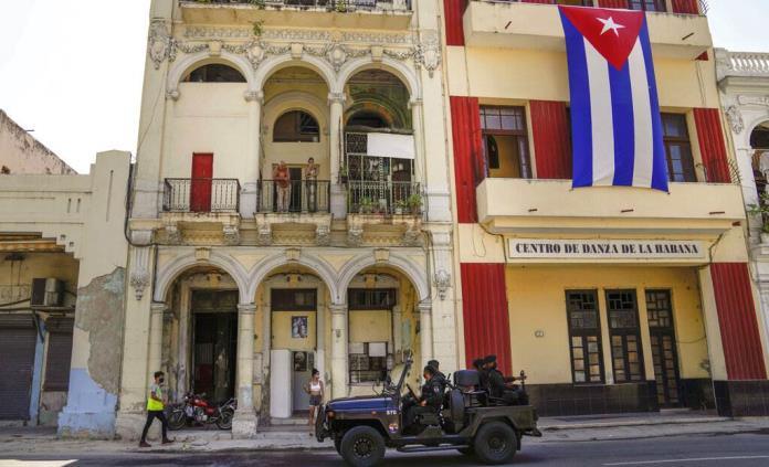 Cuba conmemora su Día de la Rebeldía Nacional en pleno auge del COVID-19
