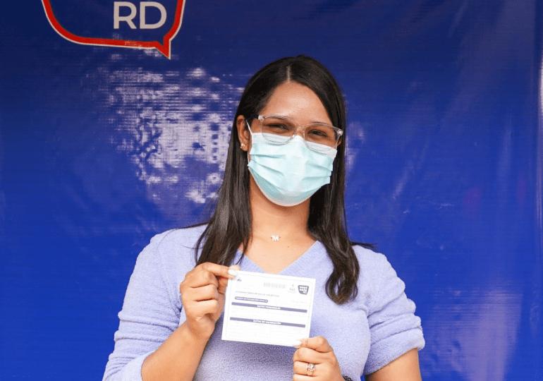 Falcondo apoya jornadas de vacunación con alimentos y transporte en La Vega y Monseñor Nouel