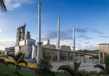 Empresa cementera ratifica que posee todos los permisos del Estado para realizar operaciones mineras