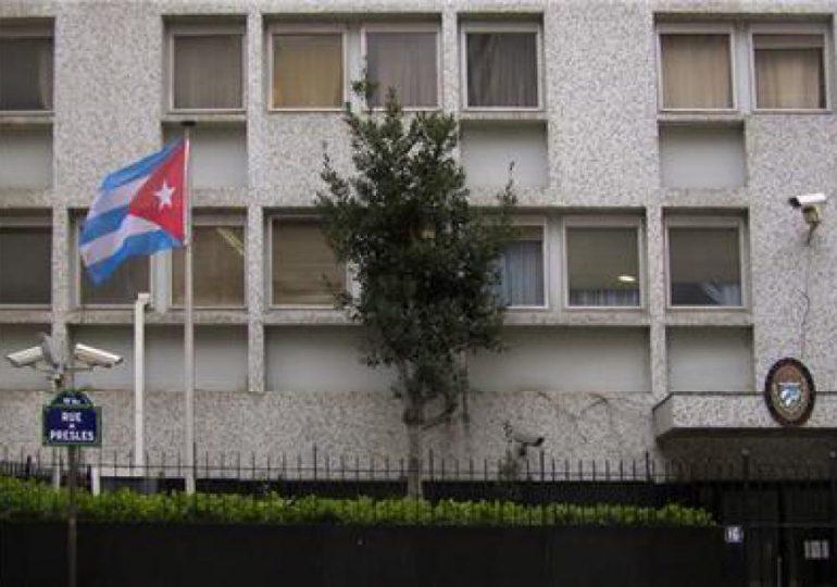 VIDEO | Atacan la Embajada de Cuba en París con tres cócteles molotov; Francia condena ataque y abre una investigación