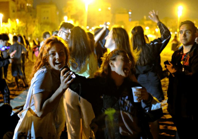Vuelve el toque de queda nocturno a Barcelona para contener el rebrote epidémico